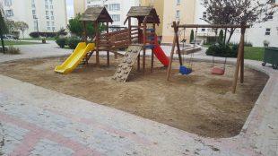 Çocuk parkları temizliği tamamlandı